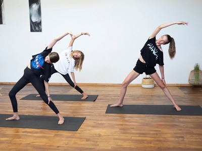 Yoga Ado